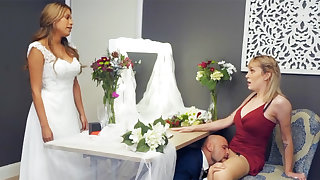 Bridesmaid loosen up groom steadfast sex